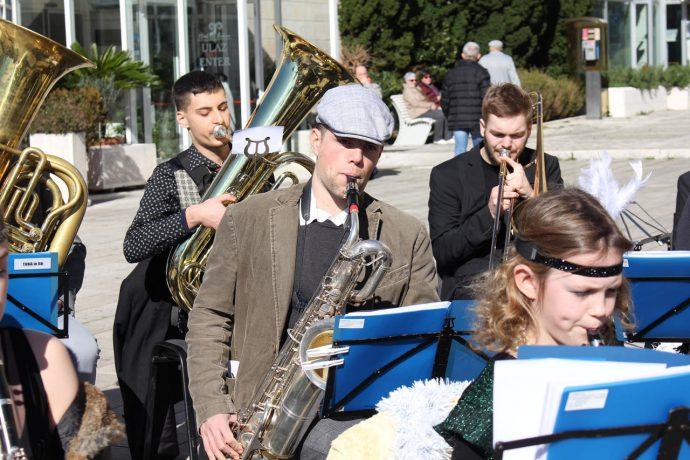big-band-maskare-2020-07