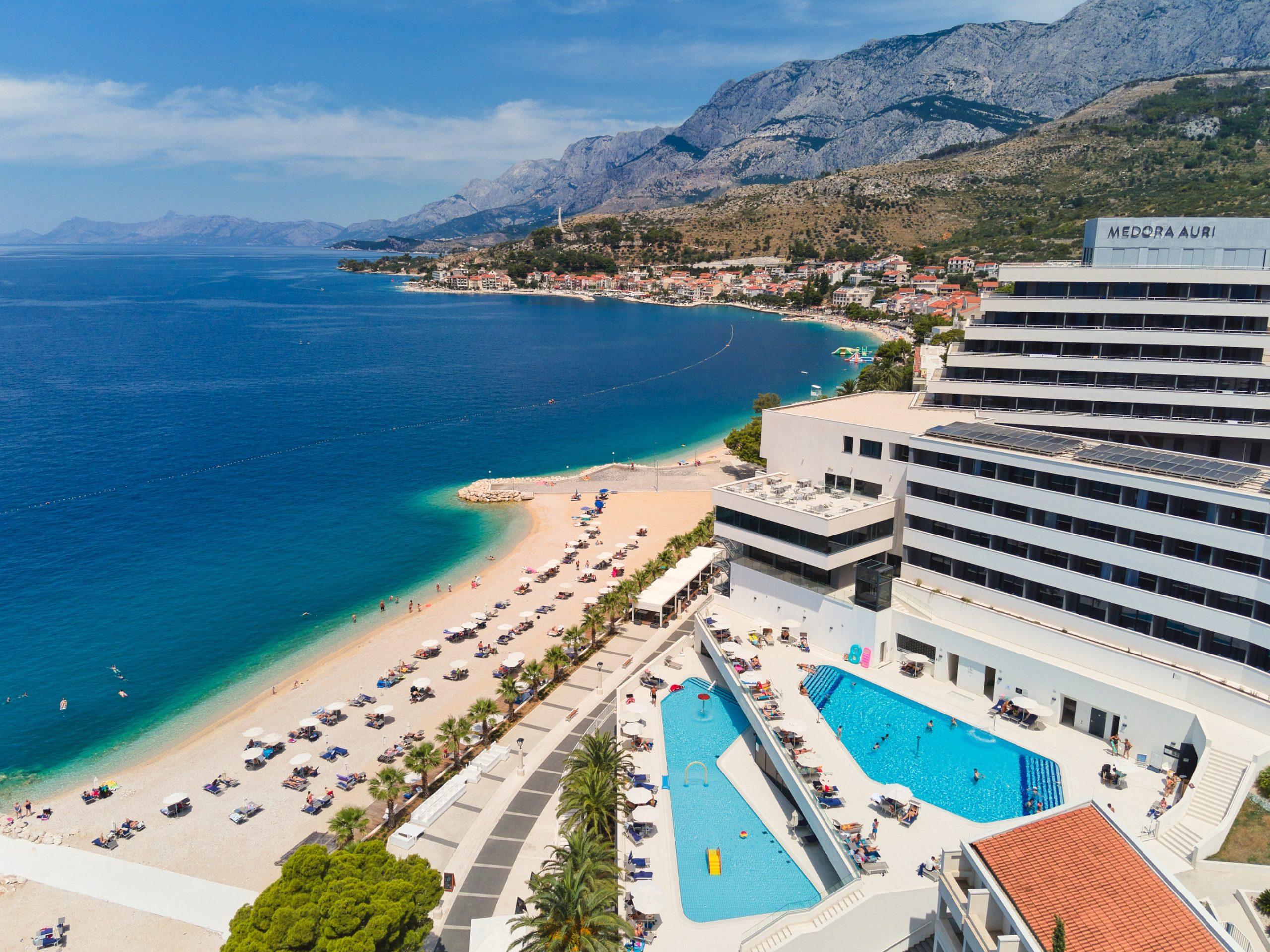 Medora Auri hotel & Podgora dron (1)