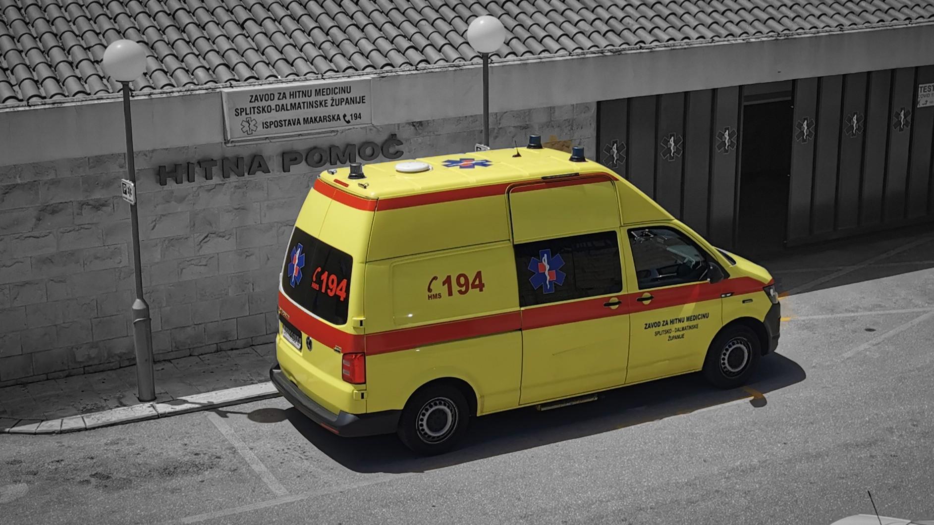 ZABRINUTOST U DOMU ZDRAVLJA Makarska hitna neće imati drugog liječnika u sezoni, a zbog neplaćanja općina upitan je i tim s tehničarom