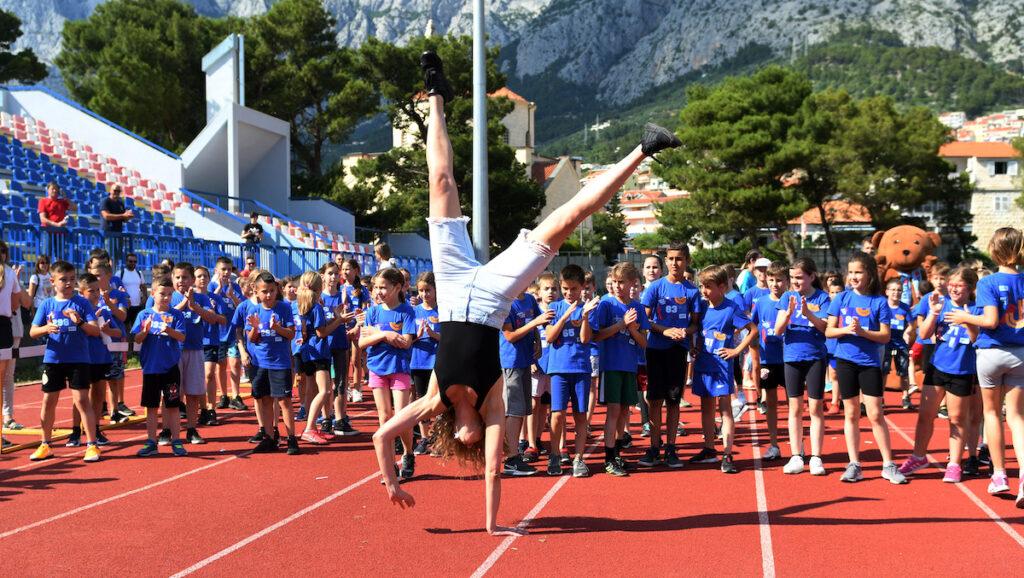 ERSTE PLAVA LIGA U MAKARSKOJ Na stadionu preko 400 djece uz ambasadoricu natjecanja Blanku Vlašić
